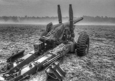 gun-black-and-white